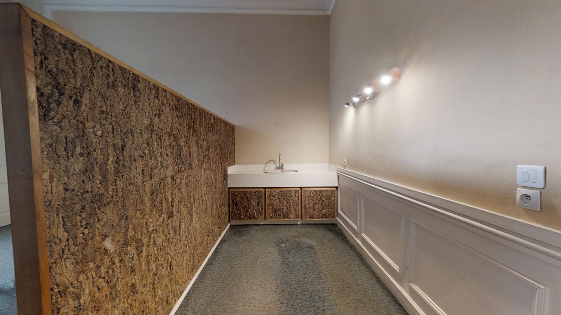 local_professionnel 142.23m² BESANCON - photo 6